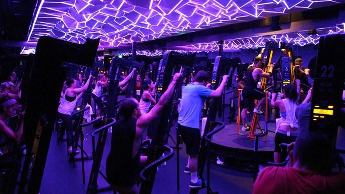 Sesiones de escaladora, la nueva sensación en los gimnasios de Los Ángeles