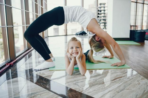 Ante el coronavirus, VivaGym recomienda ejercicios para padres e hijos