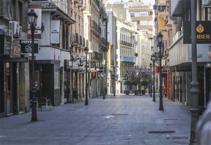 El tráfico peatonal en las calles comerciales cae un 23% en los primeros días de confinamiento