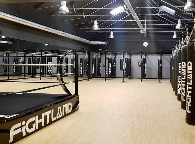 La cadena Fightland pone todos sus gimnasios a disposición de las autoridades