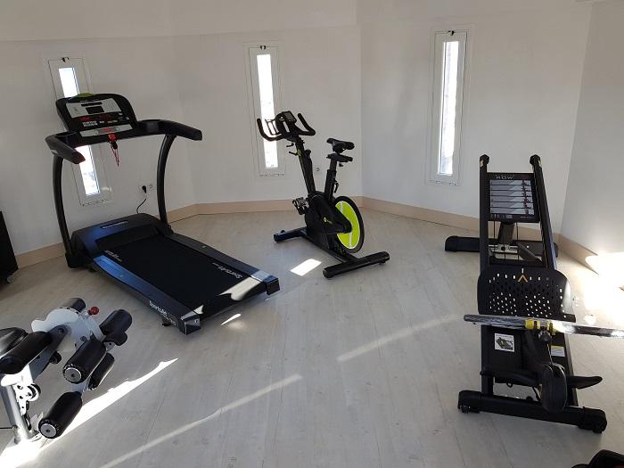 Rocfit condona el alquiler de sus máquinas a sus hoteles con gimnasio