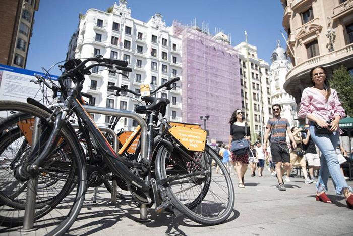 Atebi pide a las administraciones públicas que impulsen la bici urbana