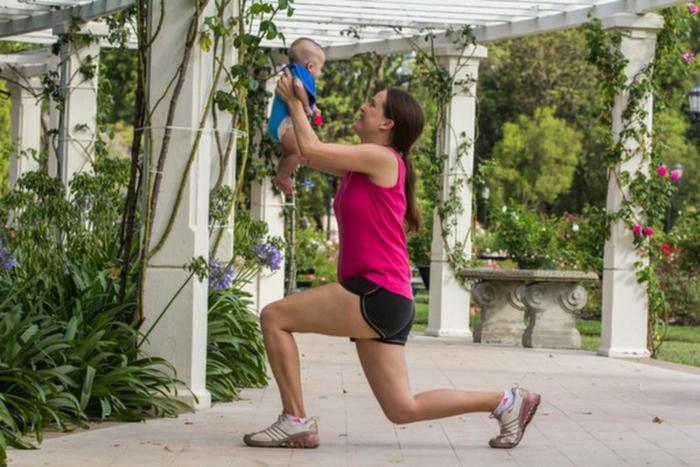 10 ejercicios para hacer con tu bebé en casa