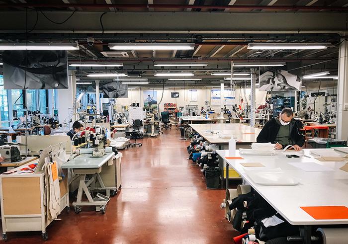 Salomon reorienta su centro de diseño de Annecy a la fabricación de mascarillas