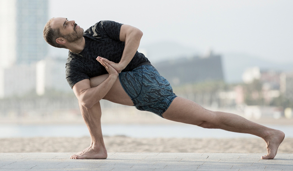 YogaOne aprovecha el confinamiento para ganar músculo digital
