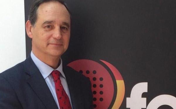 La Federación Española del pádel ratifica que se puede jugar por parejas
