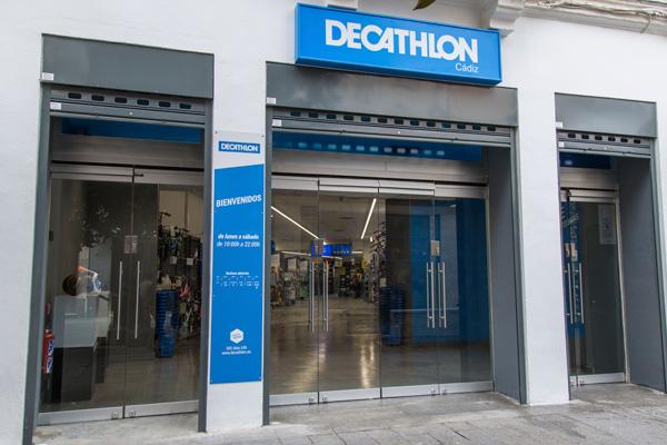 Decathlon adapta sus tiendas a 400 metros cuadrados para reabrir