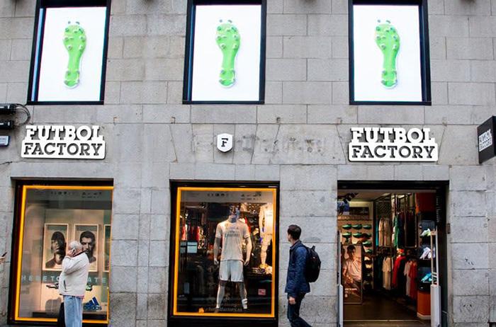 Futbol Factory reabre la mitad de sus tiendas