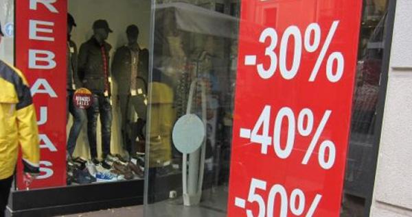 El Gobierno veta las rebajas del comercio físico para evitar aglomeraciones