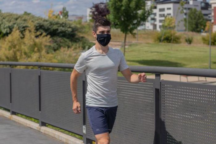 Decathlon lanza su primera mascarilla reutilizable