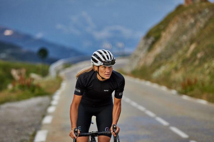 Gore Wear presenta su nueva propuesta para las ciclistas de carretera