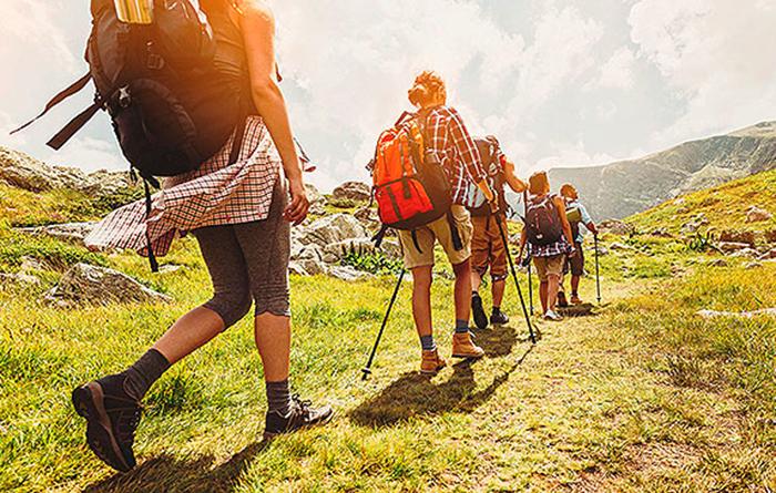 La mitad de los españoles quiere practicar senderismo o excursionismo este verano