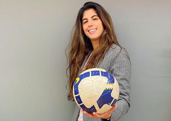 Carlota Planas, la primera 'superagente' de mujeres futbolistas