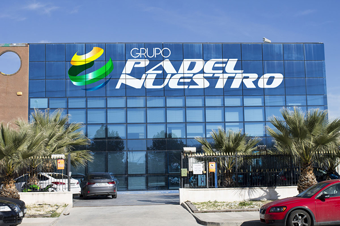 Padel Nuestro prepara un segundo centro logístico internacional