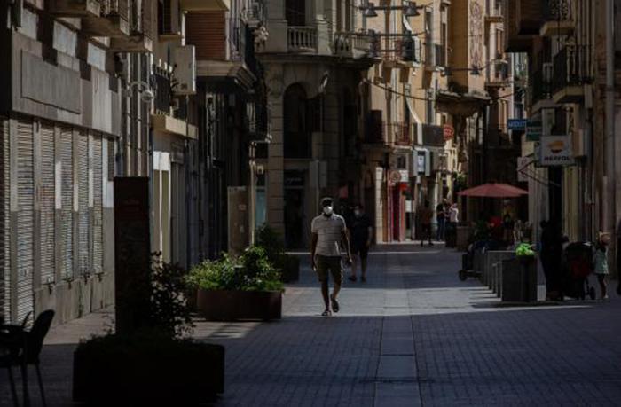 La vuelta a la cita previa pone en jaque a las tiendas de deporte de Lleida