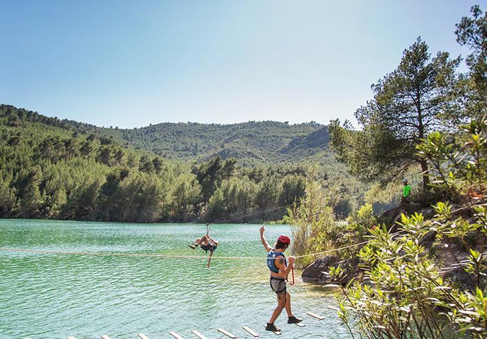 El turismo activo valenciano clama contra la exigencia de una titulación deportiva a sus técnicos