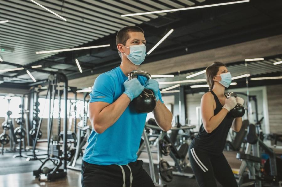 COLEF Galicia cuestiona el uso de mascarillas en los gimnasios