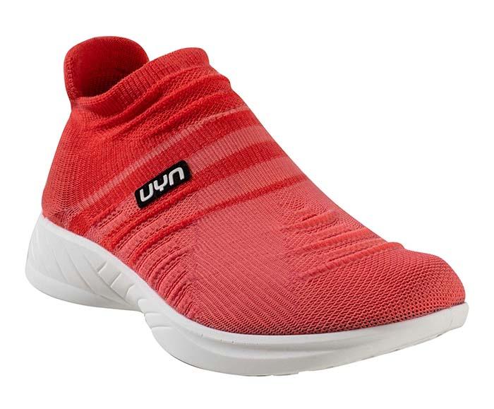 UYN presenta su primera colección de calzado
