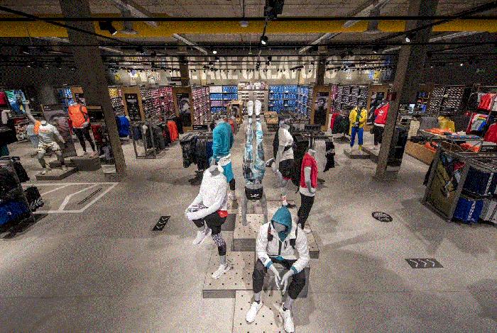 Adidas alcanza los 17 factory outlets en España