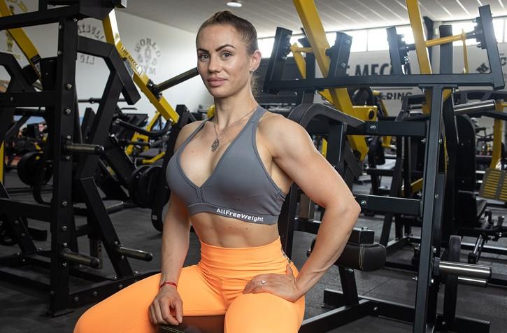 Cris Pajares ficha por Etenon Fitness