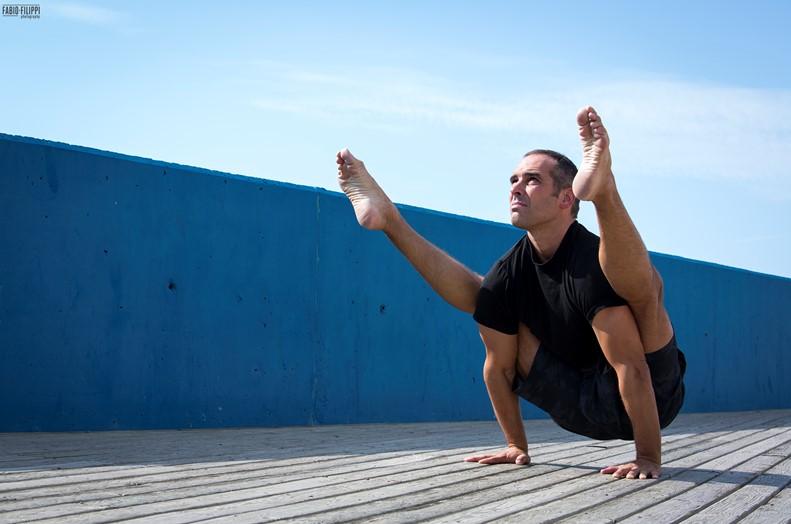 Los centros YogaOne ofrecen clases de Yoga en streaming y en directo