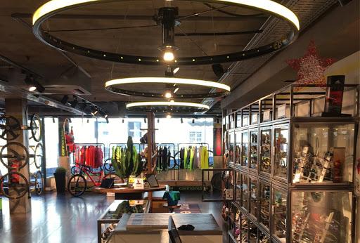 El retail deportivo andorrano, tocado por la falta de visitantes extranjeros