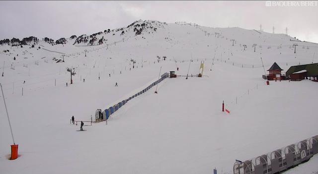 Expectación en el retail catalán de esquí por las escasas reservas navideñas