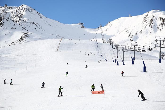 Las estaciones de esquí de Andorra no abrirán hasta principios de enero