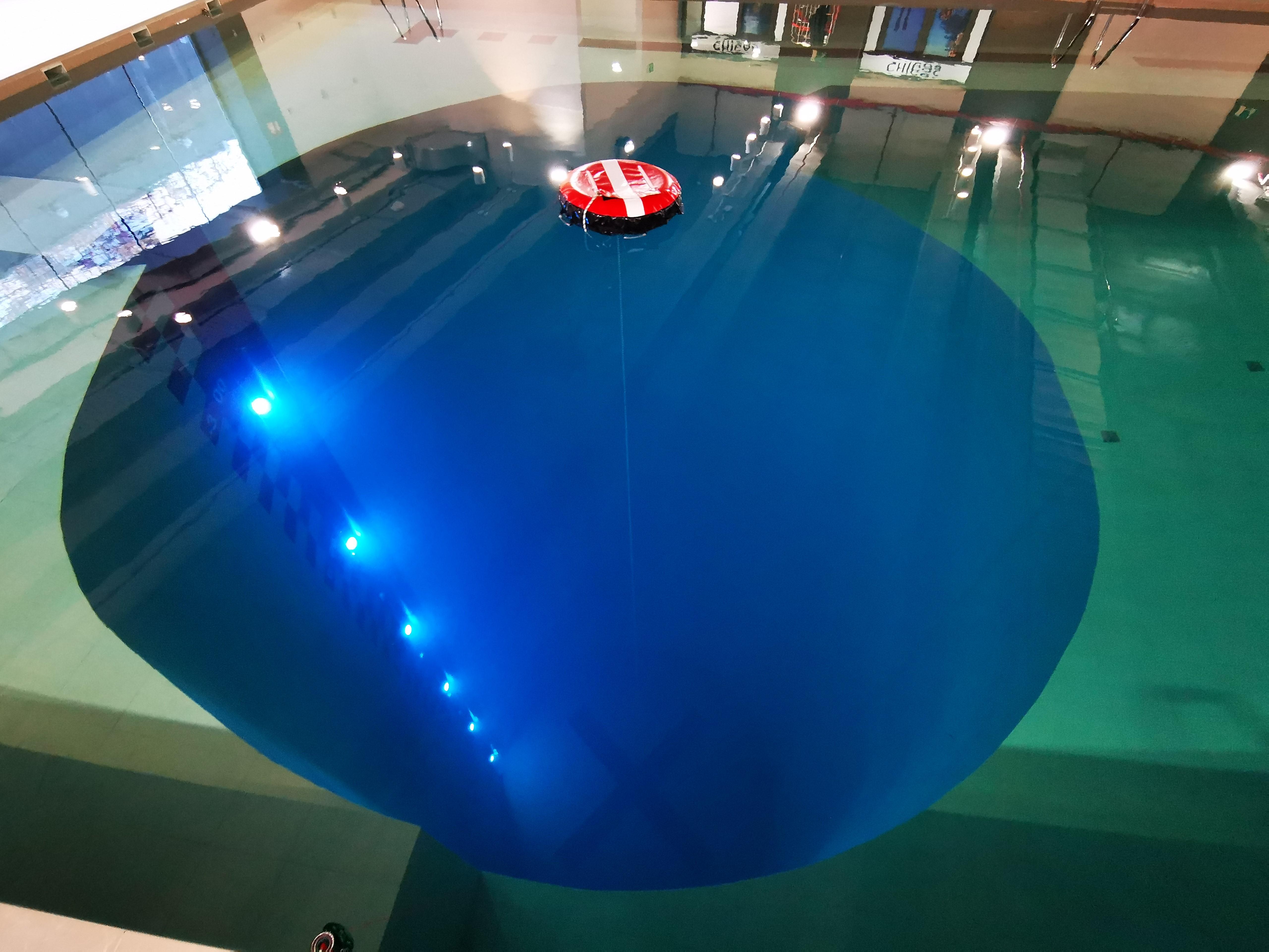 Marepolis estrena instalaciones y abre la piscina más profunda de España