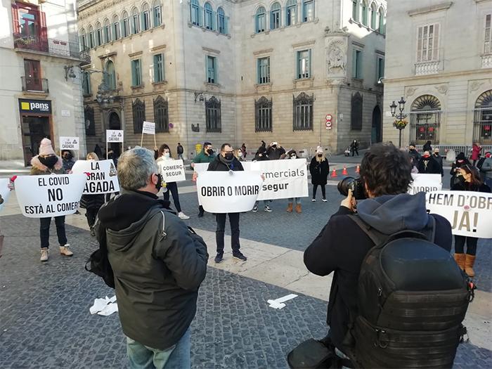 """El comercio y la restauración reclaman un """"plan de choque urgente"""" en Cataluña"""