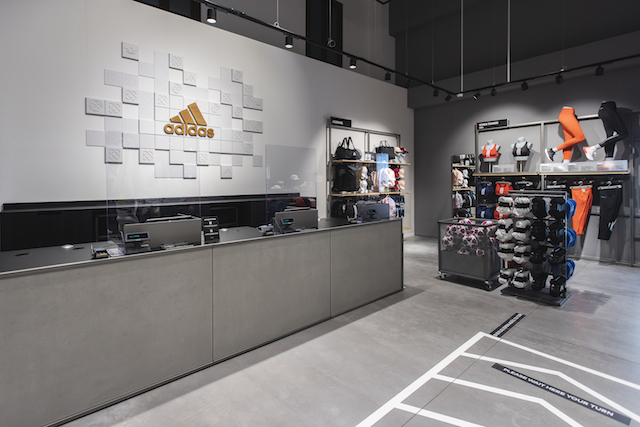 Adidas desembarca con un outlet en La Roca Village