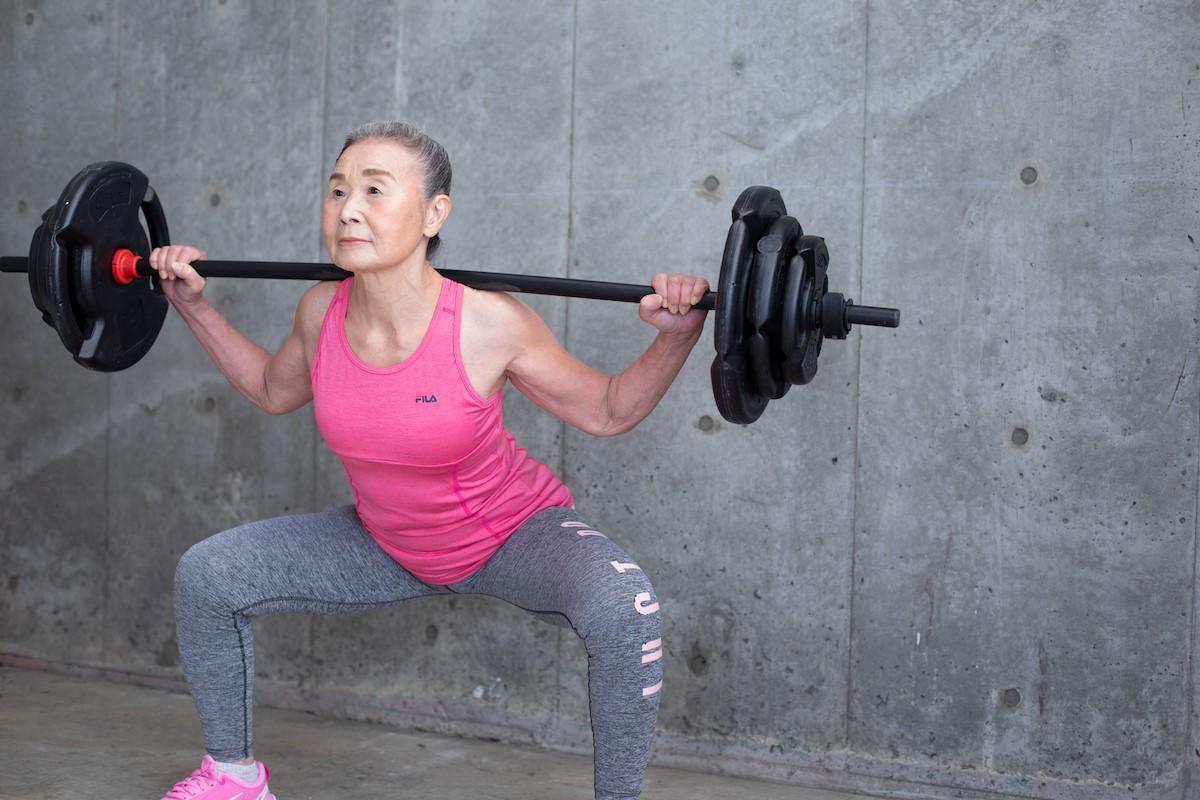 Una instructora de 90 años revoluciona el fitness para séniors