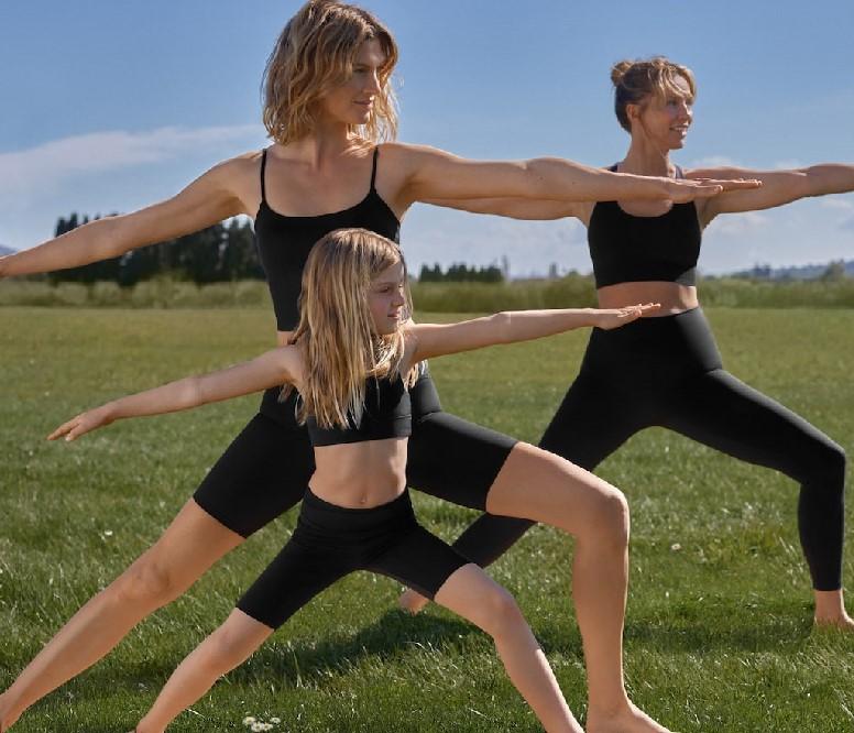 Oysho lanza una colección de yoga y Pilates infantil