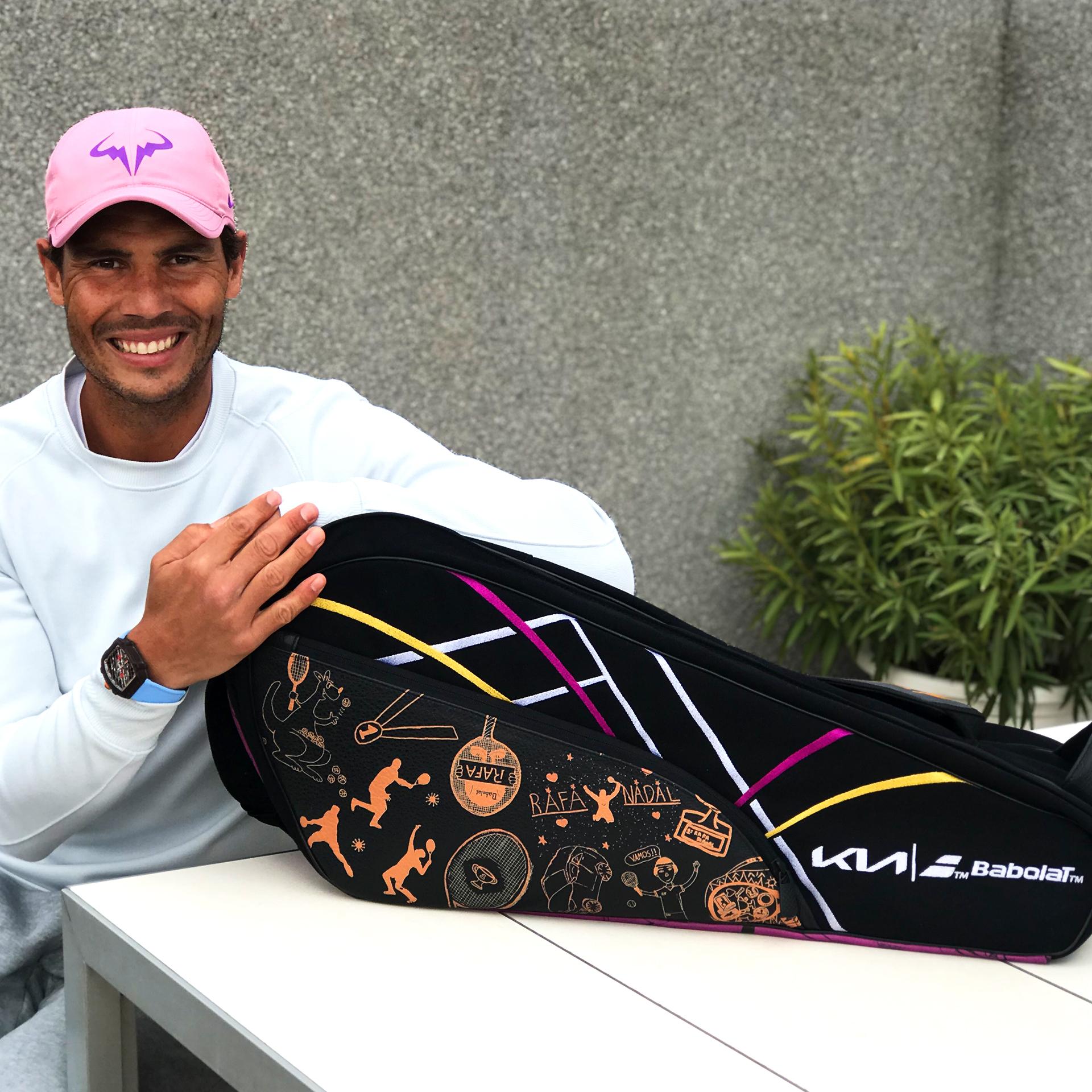 Rafa Nadal presenta un raquetero exclusivo de la mano de Kia y Babolat