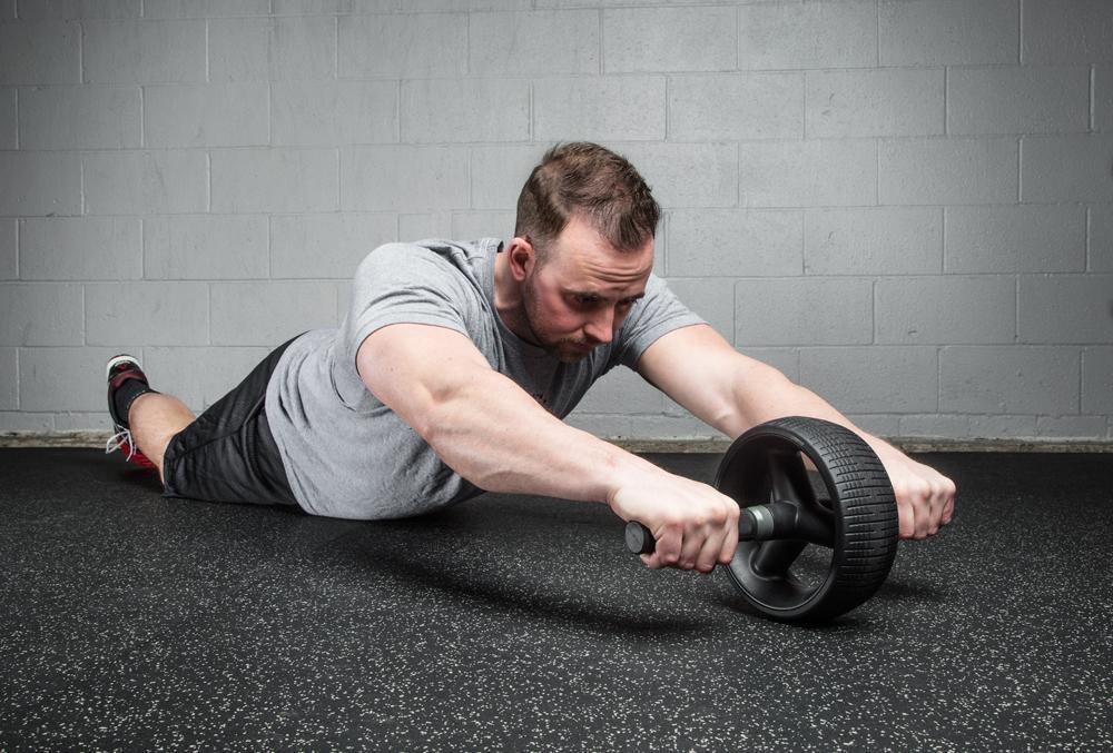 Cómo entrenar con la rueda abdominal o Ab Wheel