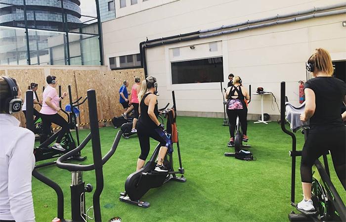 Fit21 refuerza su fitness oudoor para impulsar nuevas altas