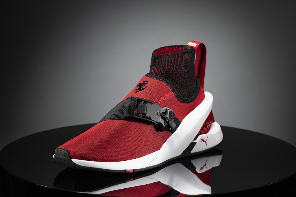 Puma presenta unas zapatillas inspiradas en el Ferrari SF90 Stradale