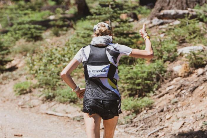 Arch Max lanza una mochila de hidratación a prueba de la Western States 100