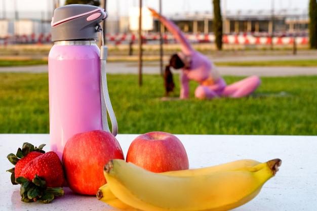 Cómo y cuándo consumir frutas y frutos secos antes y después del ejercicio físico