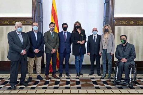 El deporte catalán se reúne con la Presidenta del Parlament