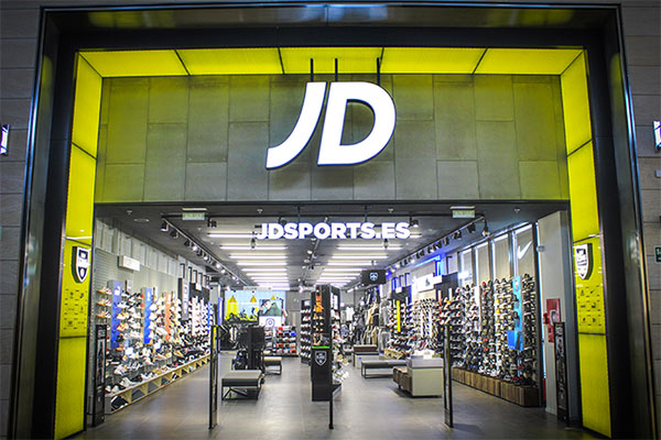 JD Sports ultima su reapertura en L'Hospitalet de Llobregat