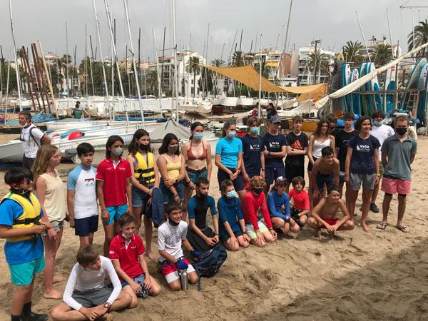 Mar Vilardell domina el inicio del Campeonato de Cataluña 2021 de patín a vela junior