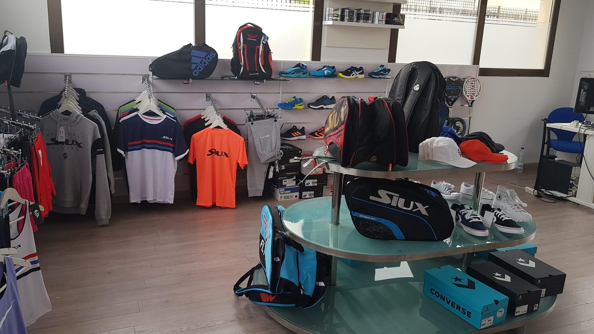Padel Nuestro abre su tienda Express número 16 en Toledo
