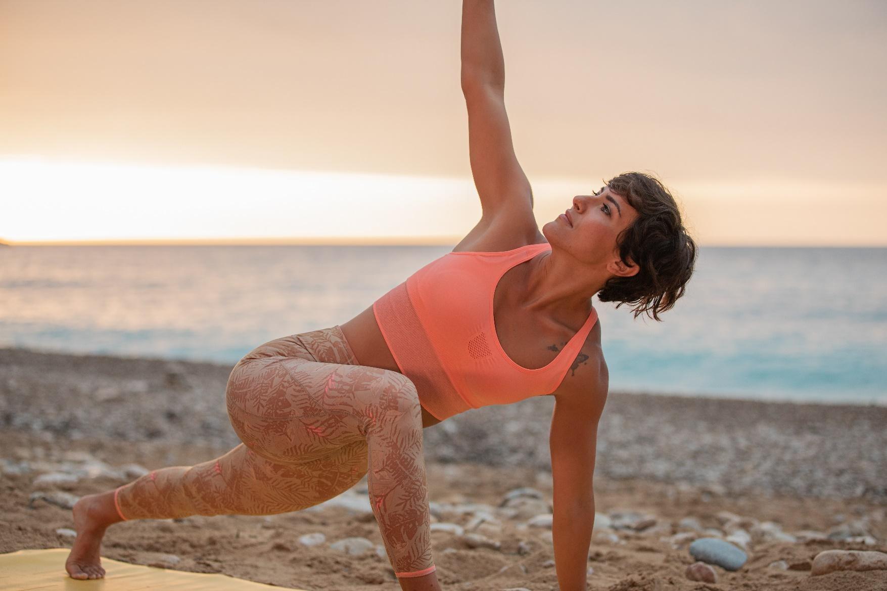 Kimjaly, la marca de yoga de Decathlon, lanza una edición limitada con Alicia Ortuño