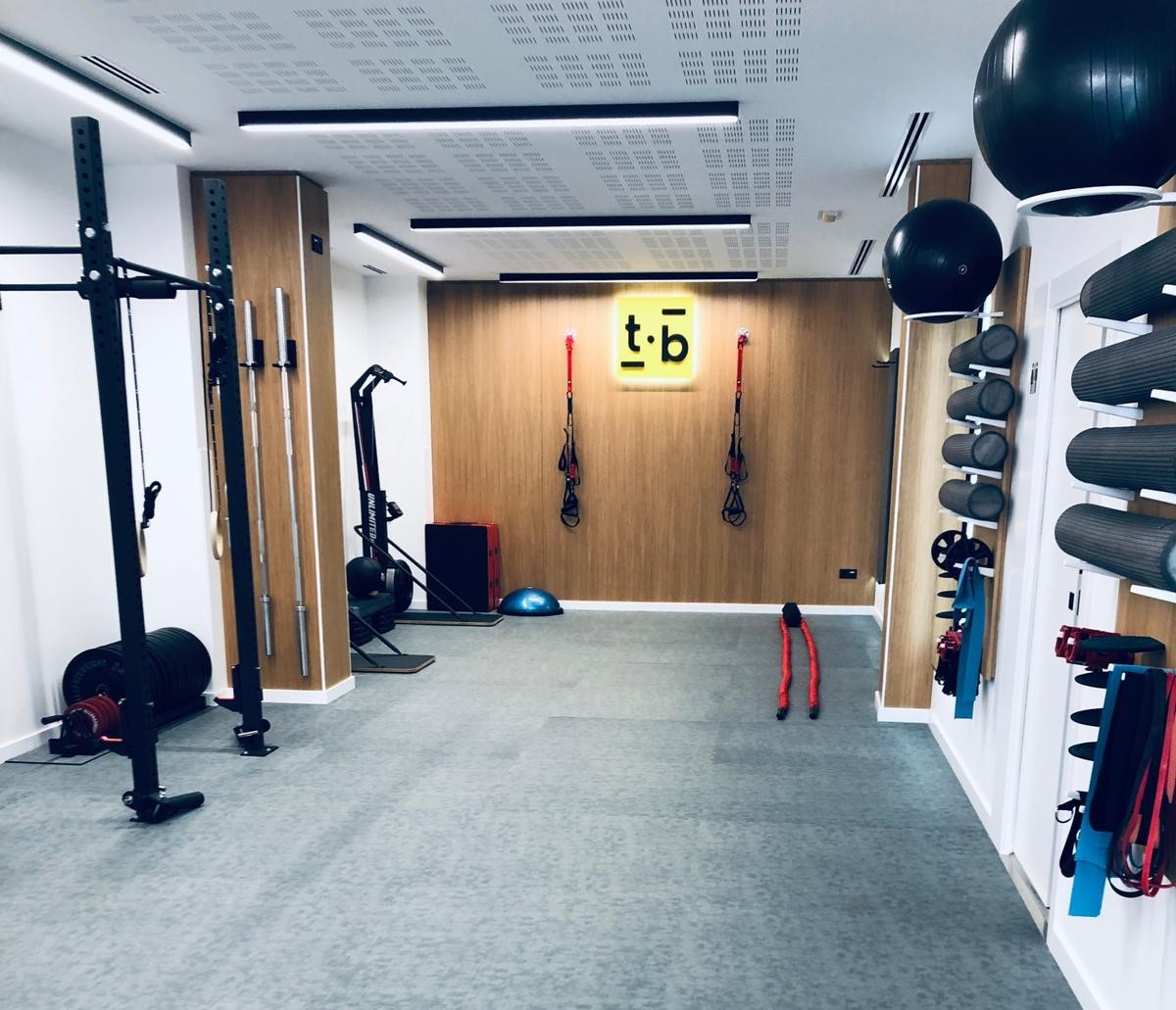 Oss Fitness equipa el nuevo centro deportivo T•balance
