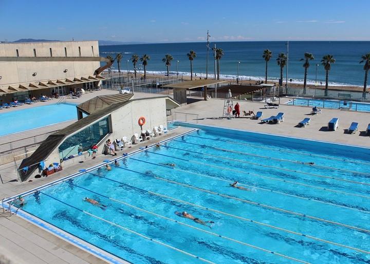 Las piscinas se unen contra la Esclerosis Múltiple