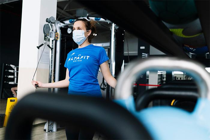 """Altafit aboga por el uso opcional de la mascarilla en interiores para """"dar oxígeno"""" a los gimnasios"""