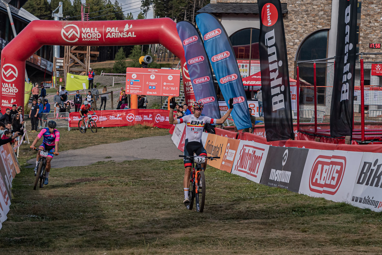 David Valero y Rocío del Alba ganan la Super Cup Massi de Vallnord