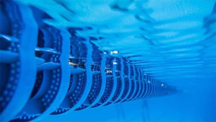 Fluidra se refuerza en piscina comercial y residencial con la compra de SR Smith