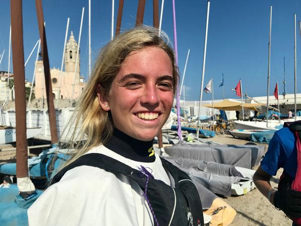 Mar Vilardell pone la directa en el Campeonato de España 2021 de patín a vela junior